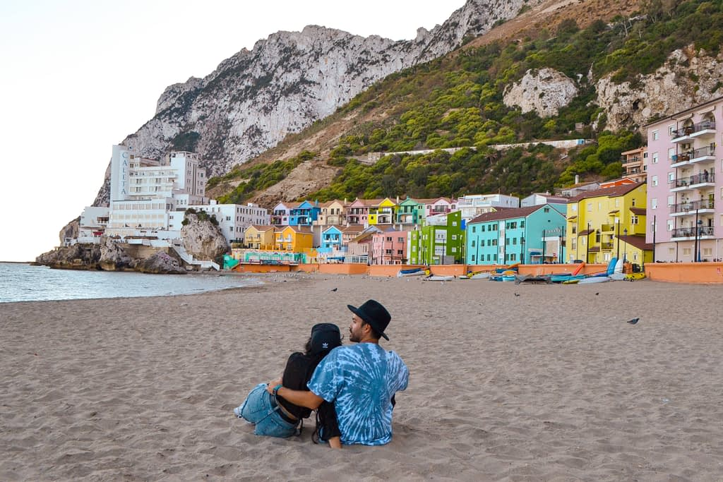 Alt-que ver en-gibraltar-playa-catalan bay